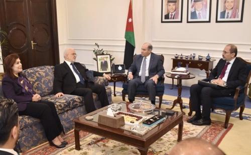 رئيس الوزراء الاردني يؤكد للجعفري استعدادها للمساهمة بإعادة إعمار العراق