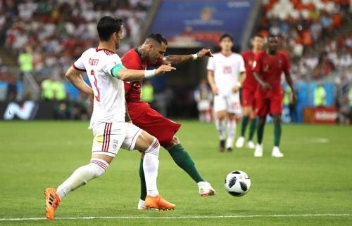 أسبانيا تواجه روسيا والبرتغال تلتقي الأوروغواي في الدور الثاني