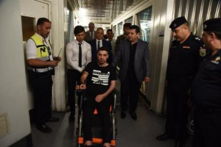بالصور: وزير الداخلية يودع وجبة من جرحى القوات الأمنية للعلاج خارج البلاد