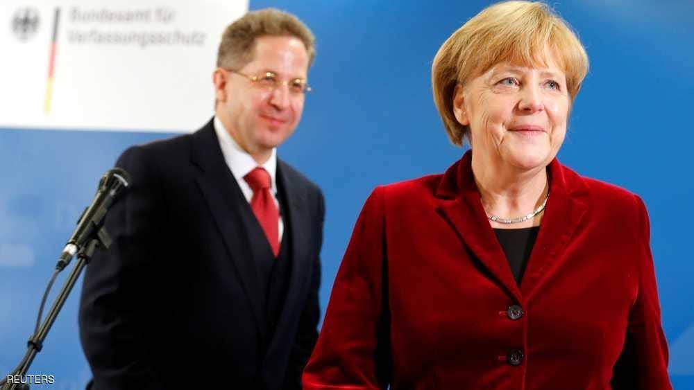 ميركل تقيل رئيس المخابرات الألمانية