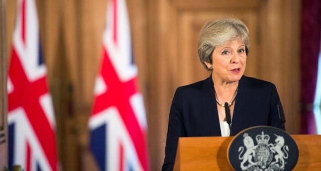 رئيسة بريطانيا تواجه استقالة وزراء بسبب خطة الانسحاب من الاتحاد الأوروبي