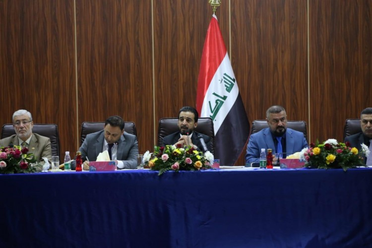 مجلس البصرة يبدأ جلسته الاستثنائية بحضور الرئيس البرلمان والوفد النيابي والحكومي