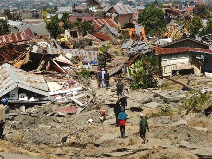 إندونيسيا: ارتفاع حصيلة قتلى زلزال وتسونامى لـ 1763 شخصا