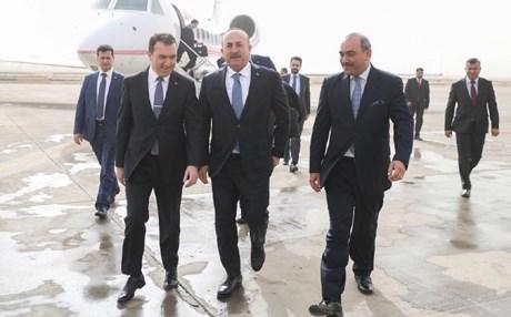وزير الخارجية التركي يصل إلى بغداد