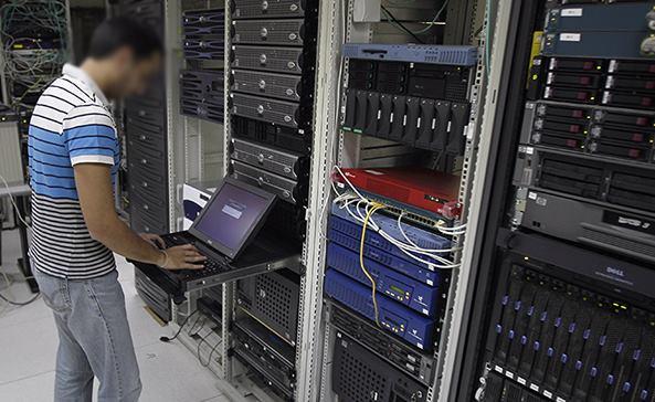 وزارة الاتصالات تصدر توضيحا بشأن قطع خدمة الانترنت في البلاد
