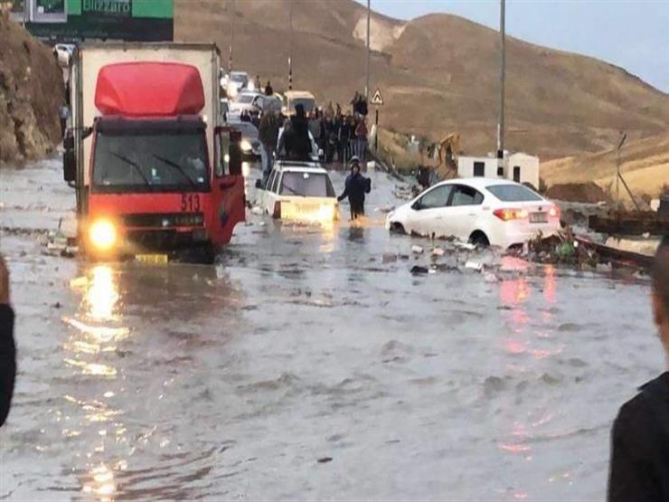 الملكة رانيا العبد الله تزور منازل الاطفال العراقيين الذين قضوا نحبهم بفاجعة البحر الميت
