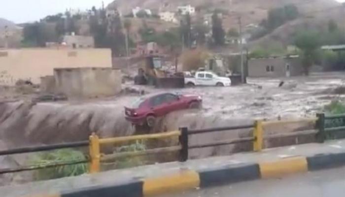 ملك الاردن: حزني وألمي لا يوازيه إلا غضبي على كل من قصر في حادثة السيول الذي راح ضحيته أطفال عراقيون
