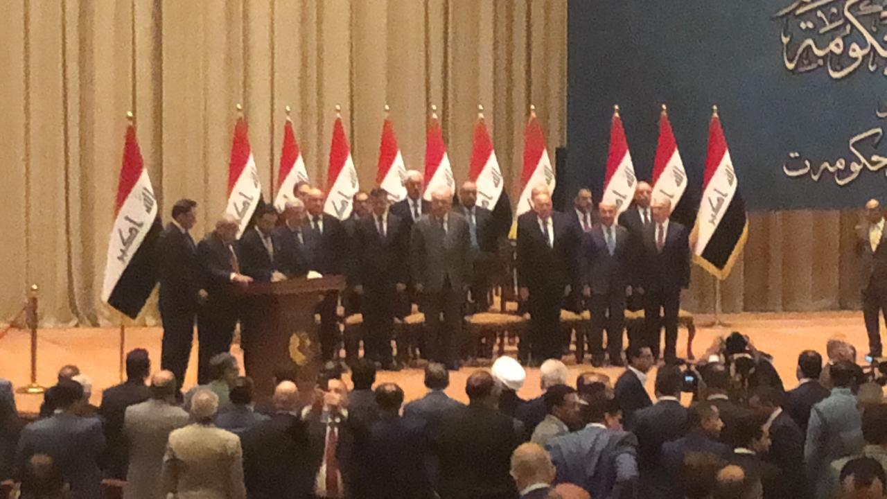 عبد المهدي و14 وزيرا يؤدون اليمين الدستوري