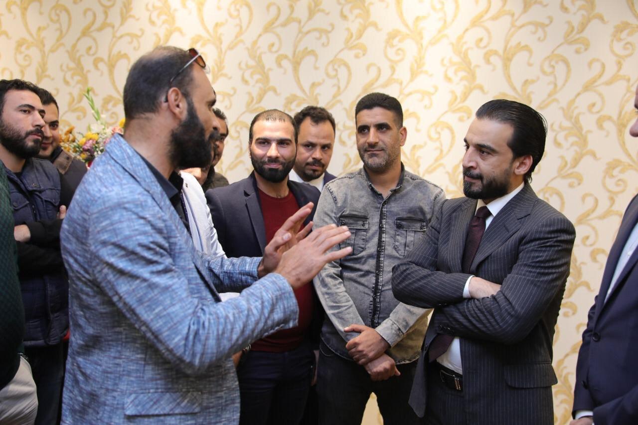 الحلبوسي يلتقي منسقيه تظاهرات أجور وعقود وزارة الكهرباء