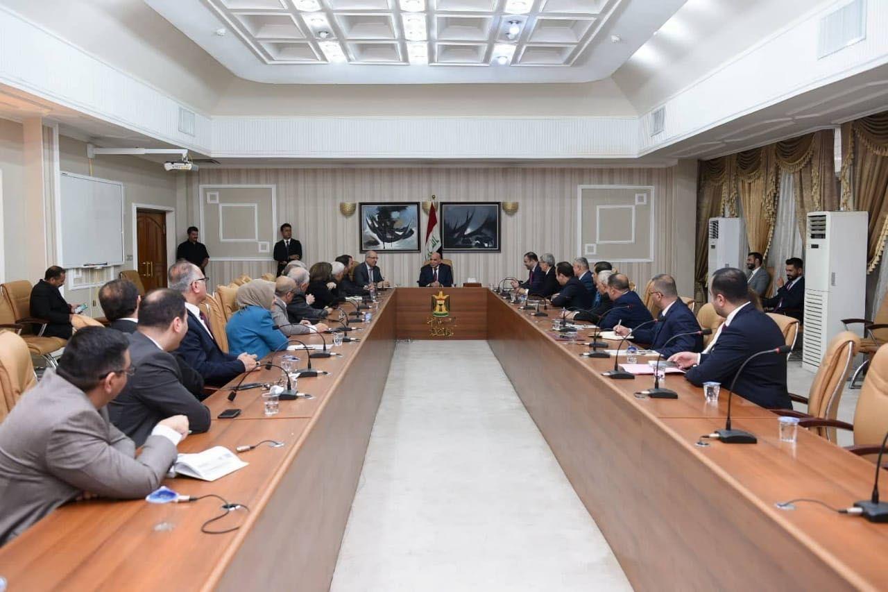 فؤاد حسين يتسلم مهامه رسمياً وزيراً للمالية