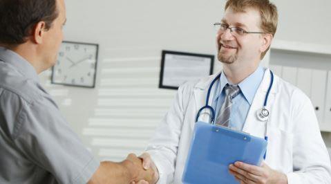 كثير من المرضى يكذبون على الأطباء في حالتهم الصحية