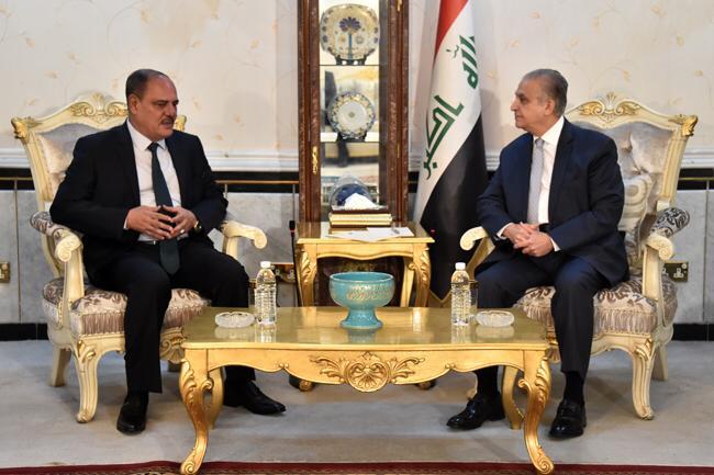 وزير الخارجية يبحث مع نقيب الصحفيين العراقيين وعدد من الصحفيين سبل تعزيز وتطوير العلاقة مع وسائل الأعلام