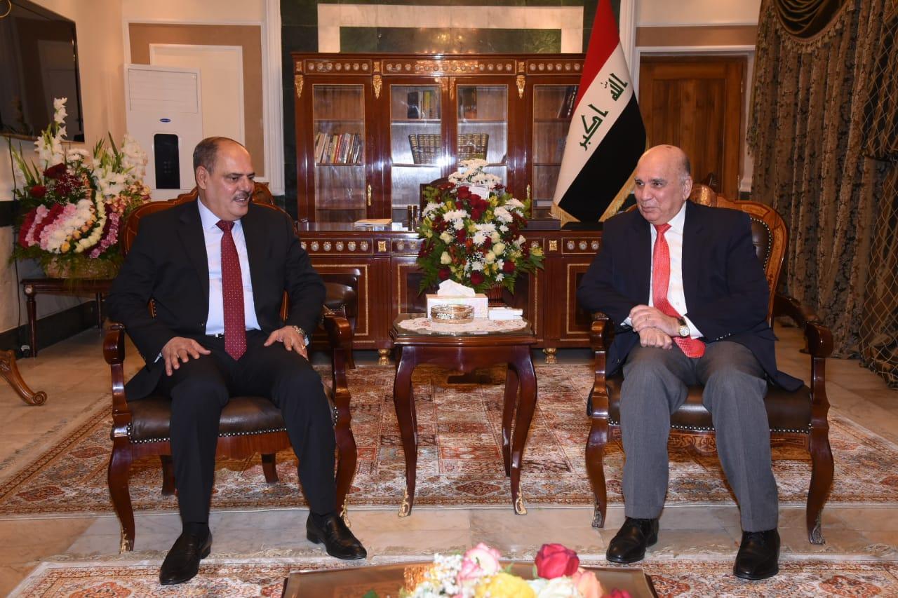 وزير المالية ونقيب الصحفيين العراقيين يبحثان سبل دعم الصحفيين والمثقفين