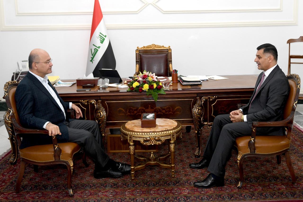 الرئيس صالح يستقبل وزير الاتصالات نعيم الربيعي ويبحثان ملف الاتصالات