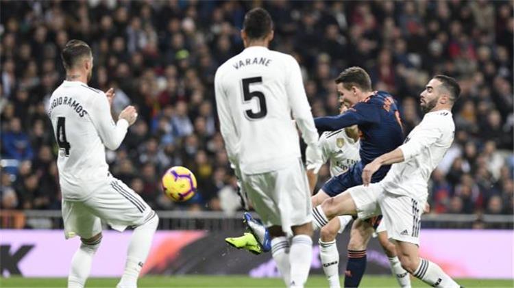 ريال مدريد يتغلب على الخفافيش بثنائية نظيفة في الليغا