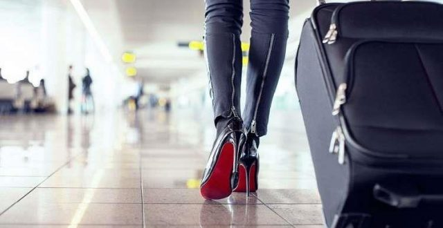 حذاء مسافرة إلى المغرب يوقف عمل مطار فرنسي لساعات!