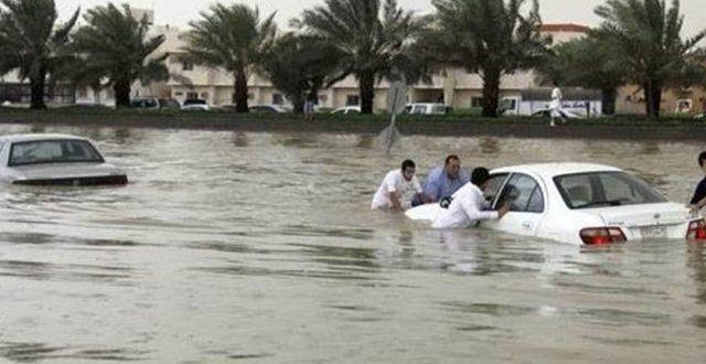 نائب يطالب باستقالة وزير الموارد المائية وتعويض متضرري السيول
