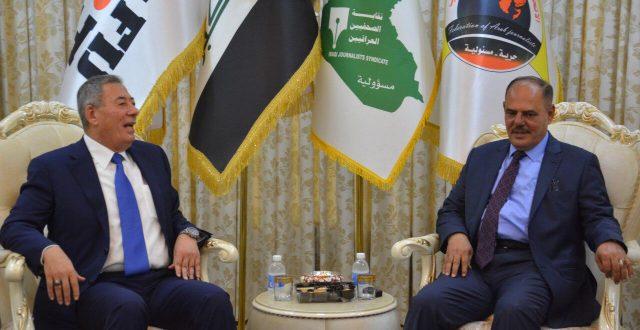 سفير الأردن في العراق ونقيب الصحفيين يتفقان على آلية تسهيل دخول الصحفيين العراقيين إلى الأردن