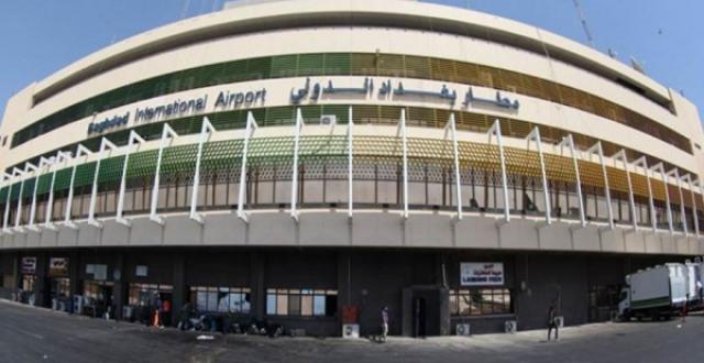 بالصور…تعقيم صالات مطار بغداد الدولي للوقاية من انتشار فايروس الكورونا