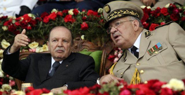 بعد استقالة بوتفليقه.. هل فوّض الجزائريون الجيش أم انقلب على الرئيس؟