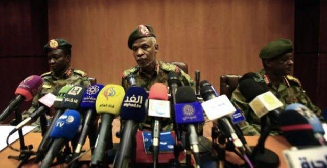 بالاسماء.. مصادر سودانية: تعيين قادة الفرق العسكرية بالجيش في المجلس العسكري الانتقالي