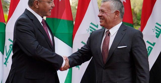 رئيس الجمهورية يصل عمان والعاهل الاردني في مقدمة المستقبلين