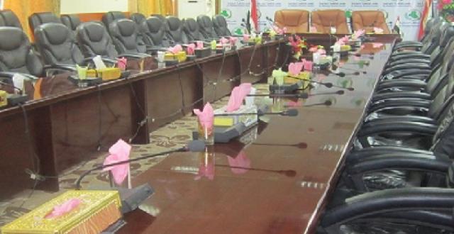 محافظ الديوانية يطالب البرلمان ورئاسة الوزراء بحل مجلس المحافظة