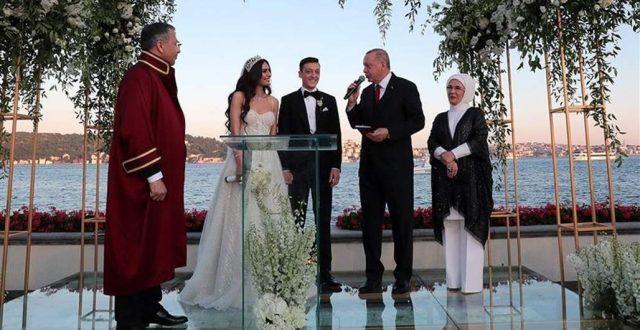 لاعب ألماني يتزوج عراقية ورئيس تركيا وشاهد على الزواج