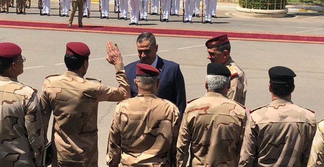 بالصور .. الشمري يستلم مهامه وزيرا للدفاع