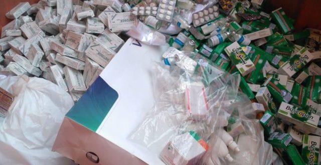 المنافذ الحدودية: ضبط جواز سفر وفيزا مزورة وإتلاف أدوية بشرية في مطار بغداد