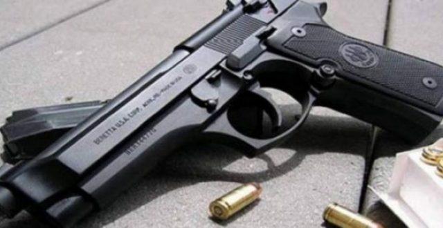 وزير الداخلية يوجه بوضع آلية جديدة لمنح إجازة السلاح