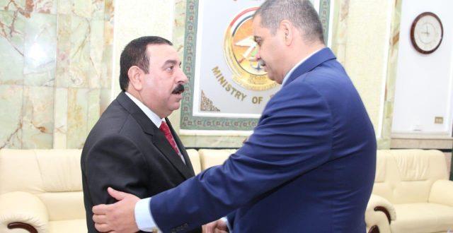 محافظ الانبار يلتقي وزير الدفاع ويبحث معه جملة من الملفات الامنية المهمة