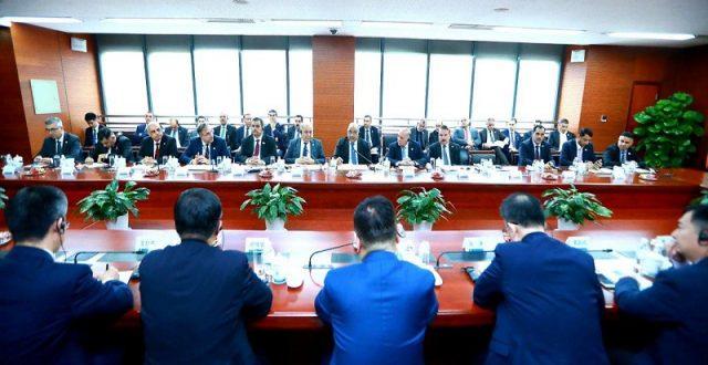 مستشار عبد المهدي: زيارة الصين تضمنت عقد اتفاق سقفه المالي 10 مليارات دولار