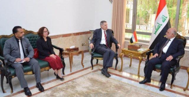 العبادي يبحث مع السفير الأمريكي الاوضاع في المنطقة وتأثيرها على العراق