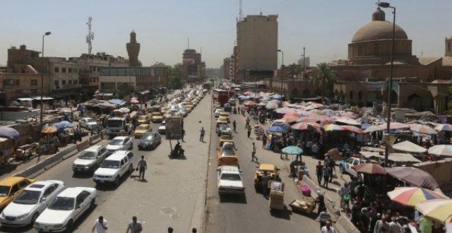 ازالة عدد من البسطات والعربات والاكشاك في بغداد الجديدة
