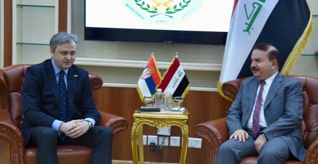 وزير الداخلية يؤكد خلال استقباله سفير جمهورية صربيا حرص العراق على تقوية العلاقات الثنائية
