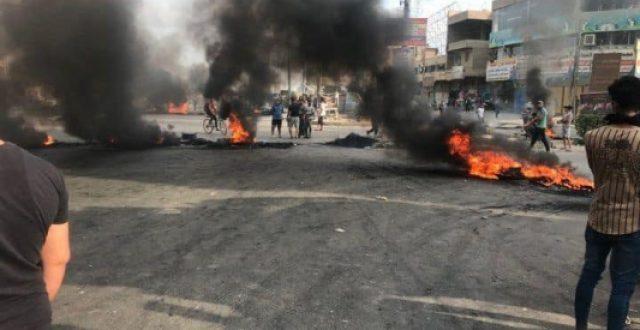 المتظاهرين يقطعون طريق {بغداد – كربلاء} وبالعكس