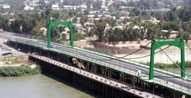 قوة أمنية تحبط محاولة انتحار من الجسر المعلق
