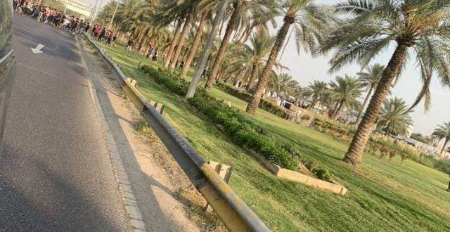 بالصور.. غلق طريق مطار بغداد الدولي من قبل المتظاهرين