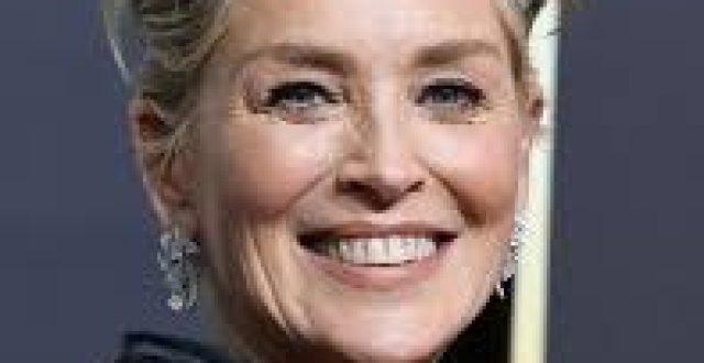 ممثلة امريكية مشهورة تعلق على تظاهرات العراق