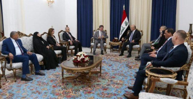 صالح يبحث مع الصحة النيابية تشريع قانون تقاعد الأطباء