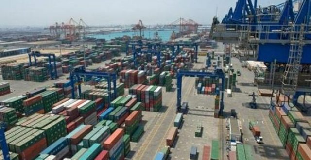 تدشين 3 أرصفة في ميناء أم قصر بمواصفات عالمية