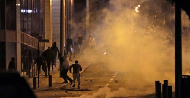 داخلية لبنان تطلب فتح تحقيق بعد ليلة عنيفة في بيروت