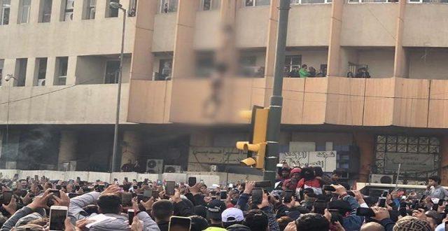 بعد جريمة الوثبة..الداخلية تعتزم تسليح القوات الأمنية في محيط ساحات التظاهر