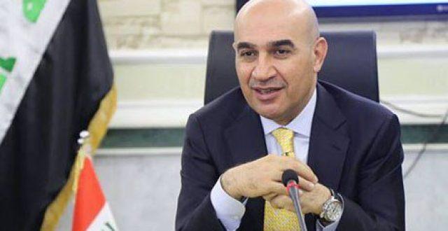 وزير الاعمار يصدر توضيحاً بشأن توقيف مواطن في مطار النجف بسبب شكوى من مسعود بارزاني
