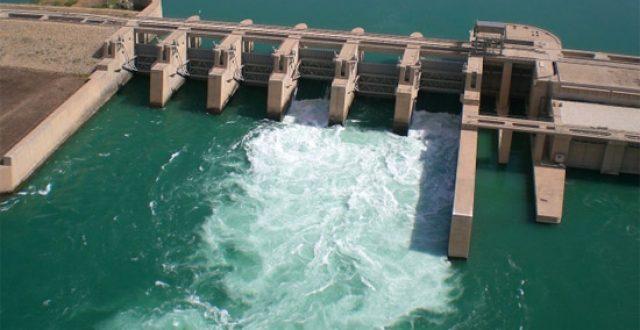 الموارد تنجز عشرات المشاريع والاعلام الحكومي تؤكد اتفاقات حاسمة بشأن ملف المياه