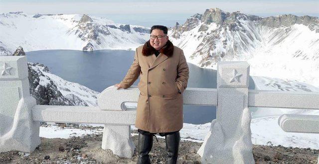 زعيم كوريا الشمالية على جواد مزين بالذهب وسط غابة ثلجية…ما الرسالة الكامنة؟