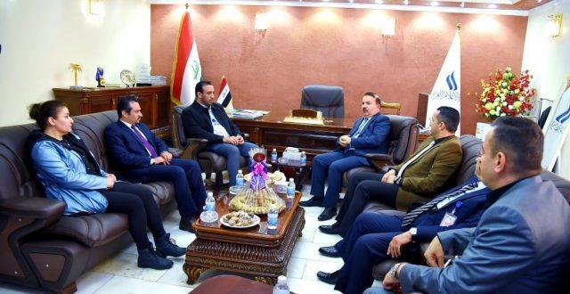 وزير الداخلية يزور شبكة الإعلام العراقي ويؤكد اتخاذ الإجراءات الكفيلة بحماية الصحفيين