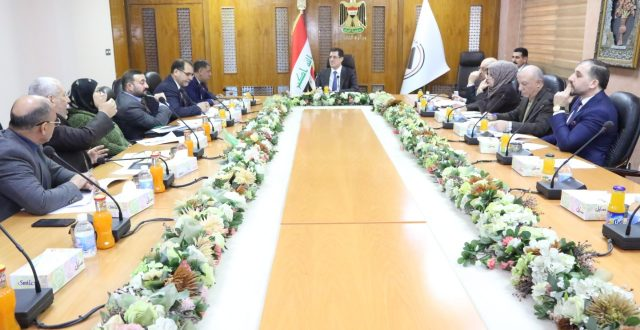 وزير التخطيط يترأس الاجتماع الأول للهيأة الوطنية العليا لمشروع تشغيل الشباب