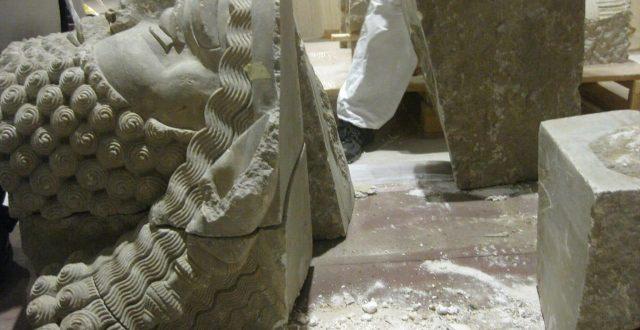 بالصور .. الثقافة تعلن تجميع 13 قطعة مهربة من ''رأس الثور المجنح'' ووضعه في المتحف العراقي